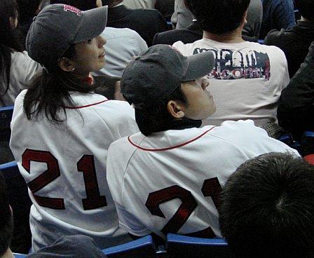 japan-trip-clemens-fans.jpg