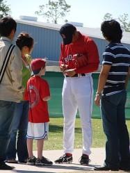 spring-training-autographs.jpg